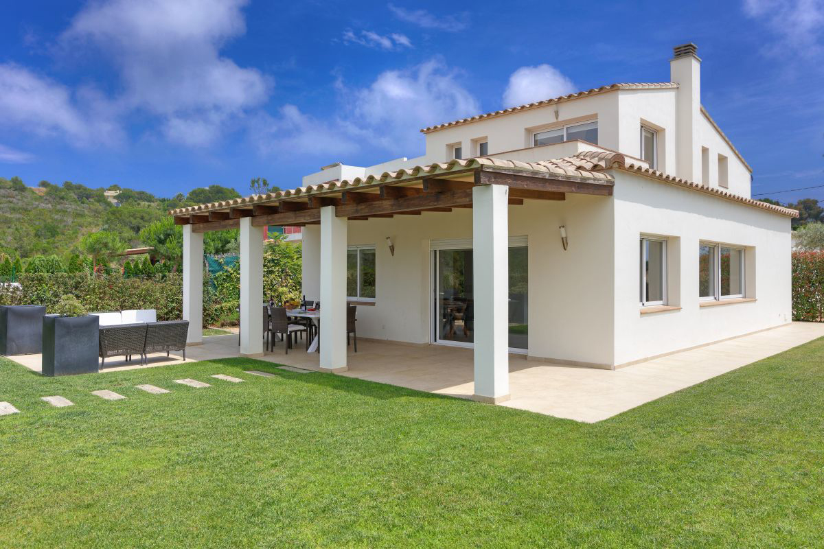 Tamariu Family Villa